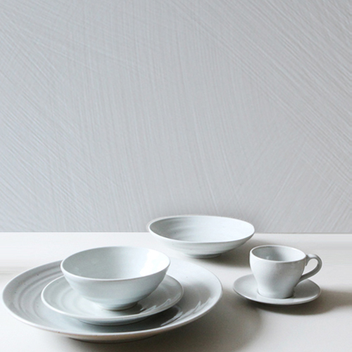 Casual line Dinnerware, Snow Flower 6 Piece Place Setting