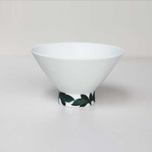 Heritage White Balck part pattern Tea Bowl